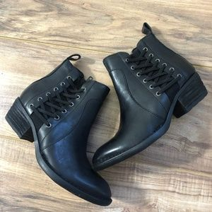 Born Womens Dayle Black Boots 5M
